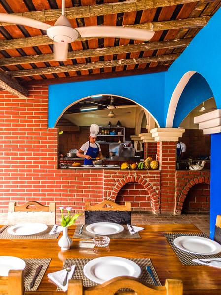 trinidad la marinera restaurant-3.jpg