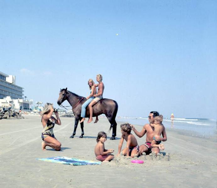 1976-horse beach.jpg