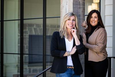GLM0527 - Lisa & Stephanie Portrait Session