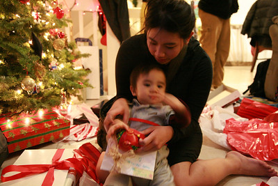 2008-12-27 Opening more presents