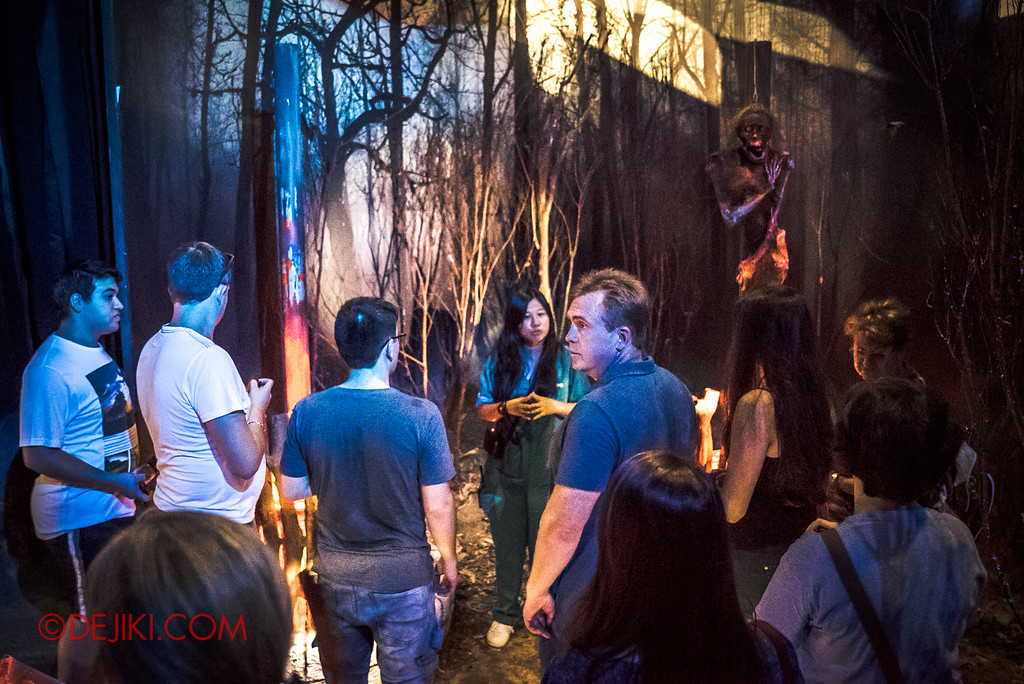 Halloween Horror Nights 6 - RIP Tour review / Behind the Screams tour of Salem Witch House