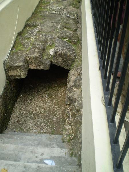 Aqueduct, Viejo Habana - ElizabethYerkes
