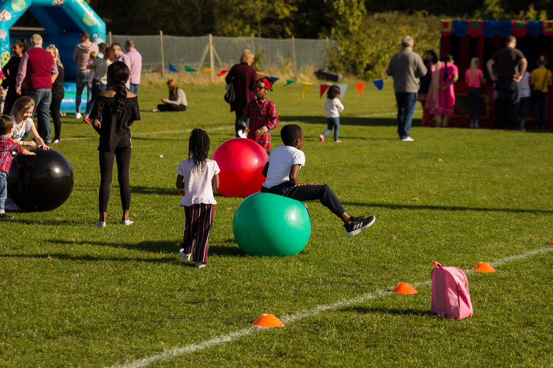 bensavellphotography_lloyds_clinical_homecare_family_fun_day_event_photography (385 of 405).jpg
