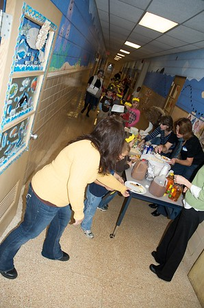 1st grade Thanksgiving Feast