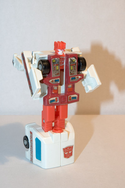Transformers Autobot, First Aid