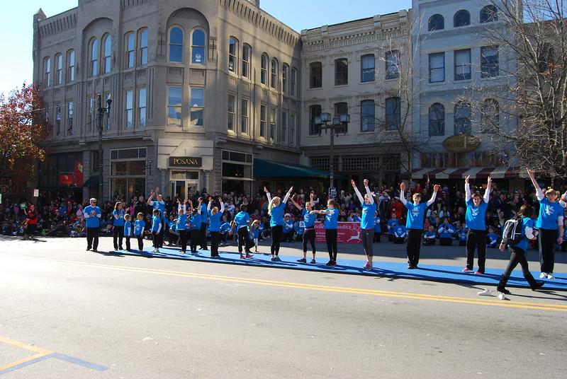 Parade 903.jpg