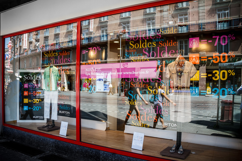 Wonderful colorful reflection around this shop window.