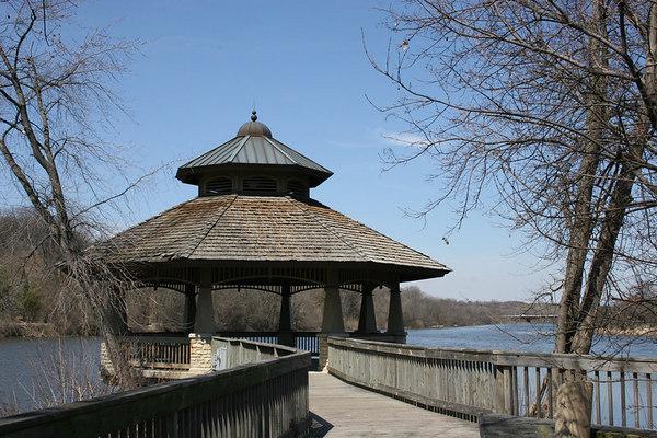 Batavia Riverwalk - April 9, 2006