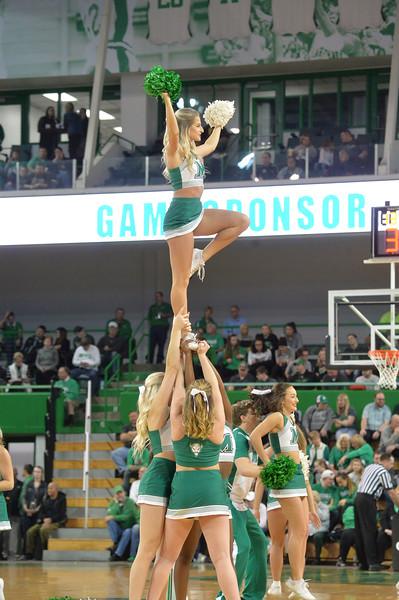 cheerleaders8615.jpg