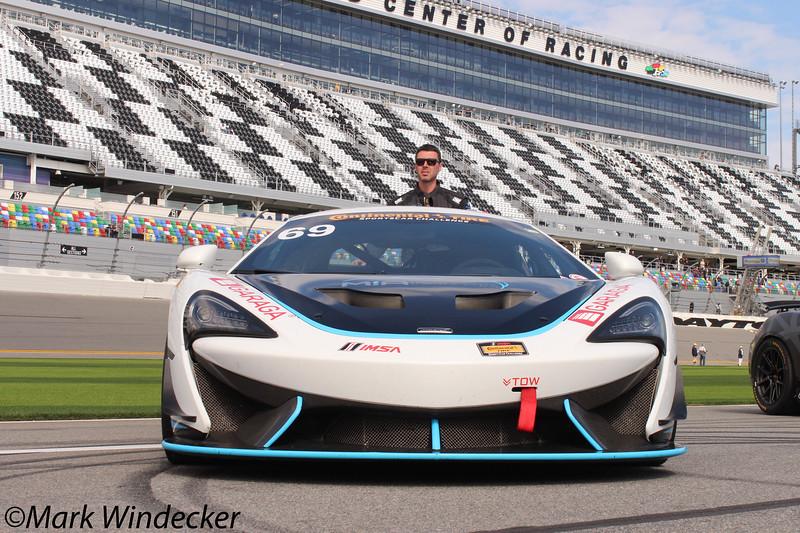GS-Motorsports In Action McLaren GT4