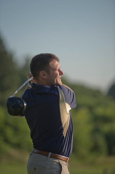 2019_scholarship_golf_46233.jpg