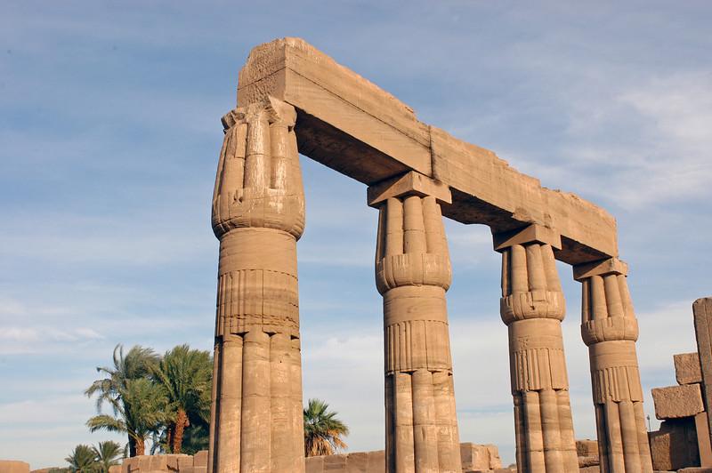 Karnak Temple 01.08.06 0025.jpg