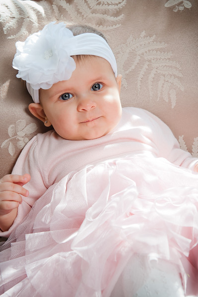 Lily at 6 months-4593.jpg