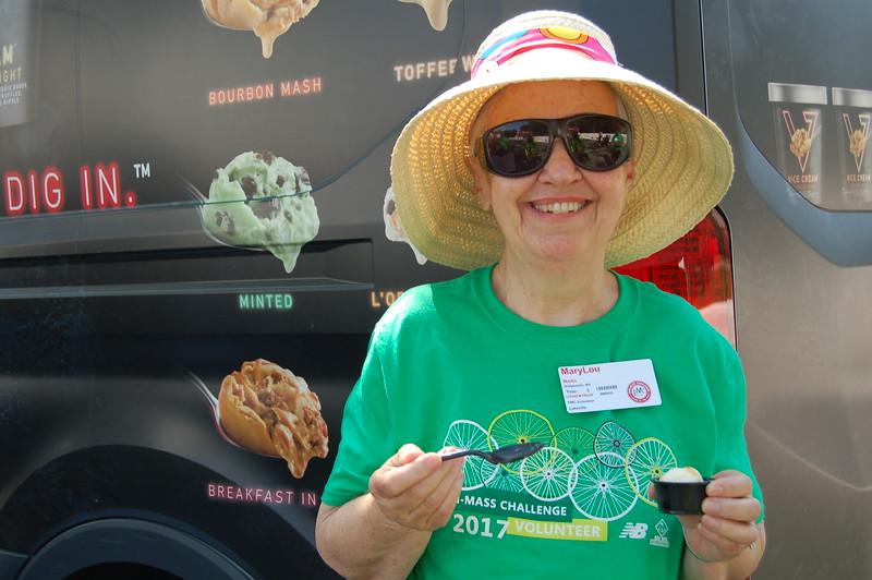 Sun-Wellesley-Sponsor-Volunteer-MaryLou2-CK0101.jpg