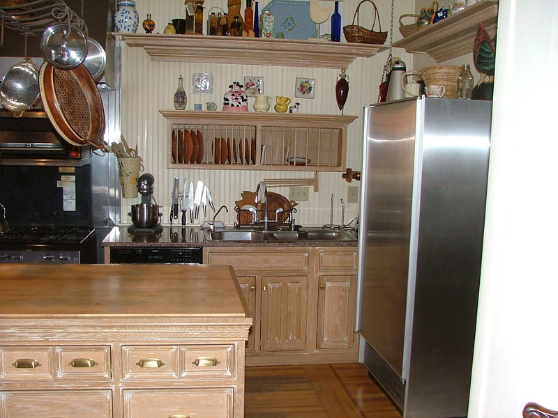 1848 interior - man, what a kitchen!