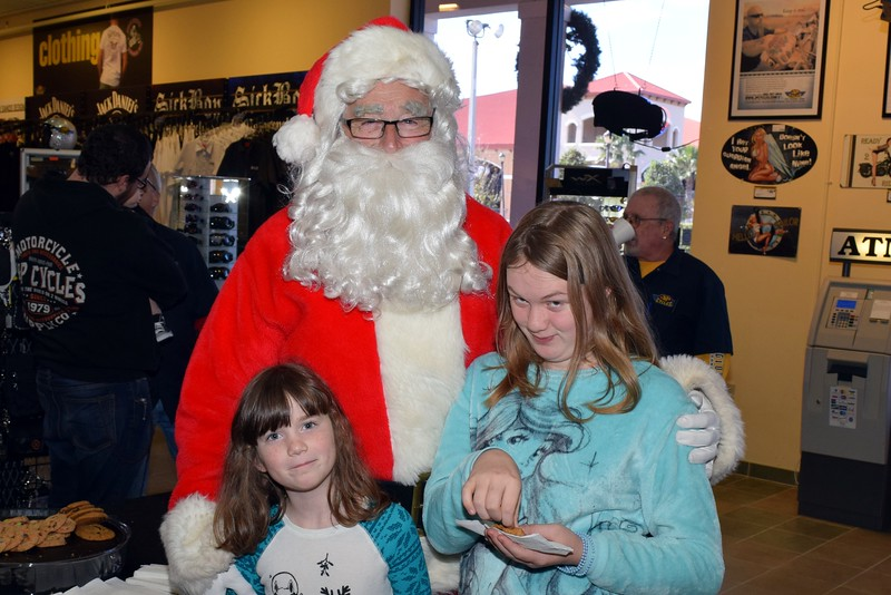 2016 Santa Visits J&P Cycles (66).JPG