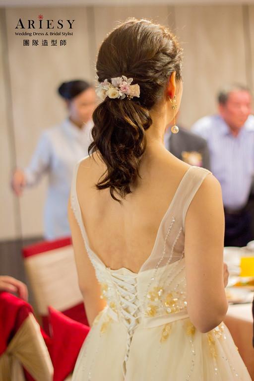 新娘秘書,新秘造型,新娘油頭時尚造型,紅色禮服,白紗造型