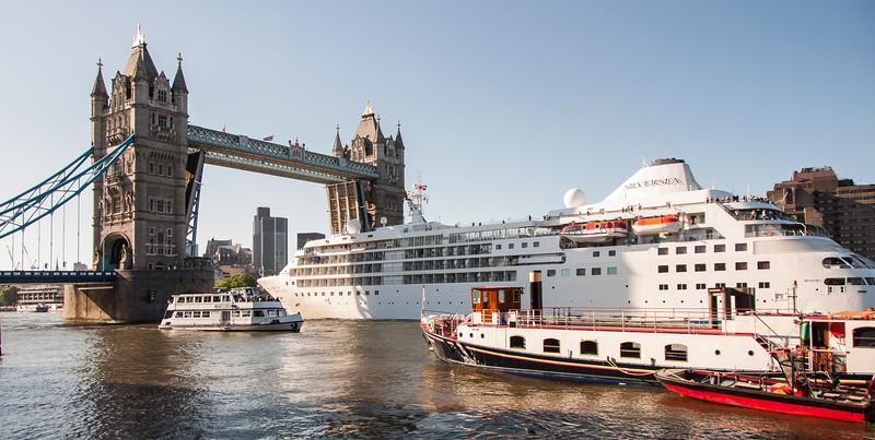Cruise ship at Tower Bridge