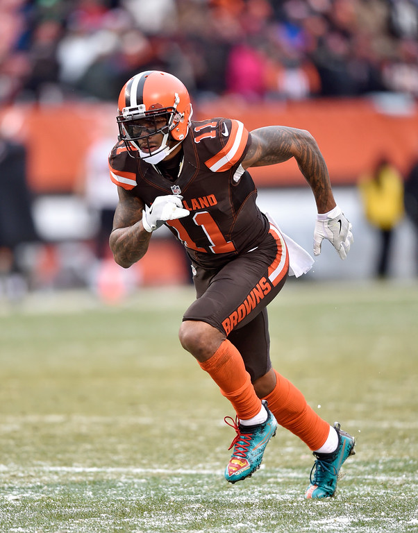 . Cleveland Browns wide receiver Terrelle Pryor (11) runs a route in the second half of an NFL football game against the Cincinnati Bengals, Sunday, Dec. 11, 2016, in Cleveland. (AP Photo/David Richard)
