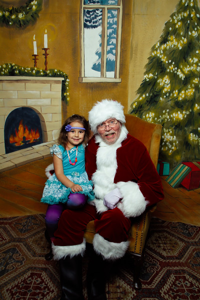 Pictures with Santa Earthbound 12.2.2017-124.jpg