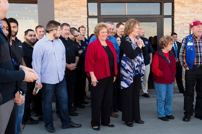 Outback Steakhouse_Ribbon Cutting_2017_018.jpg