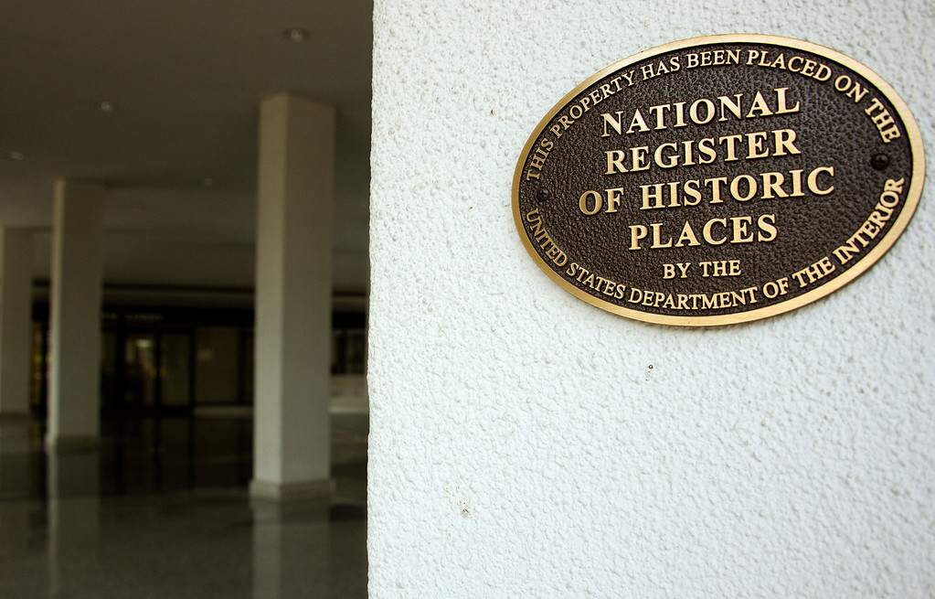. A historical plaque is seen at the Watergate complex in Washington, DC, June 11, 2012. June 17, 2012 marks the 40th anniversary of the infamous Watergate break-in, which brought down the presidency of Richard M. Nixon. Nixon resigned in August 1974 for his administration\'s role in a June 17, 1972, burglary of the Democratic National Committee headquarters at the Watergate complex in the US capital and the subsequent cover-up. He became the only American president ever to resign the office. Many inaccurate ideas and myths related to Nixon\'s role in the burglary and its cover-up have found long life over the years, reporters Carl Bernstein and Bob Woodward, who broke the story, wrote in an op-ed piece The Washington Post Saturday.             (JIM WATSON/AFP/GettyImages)