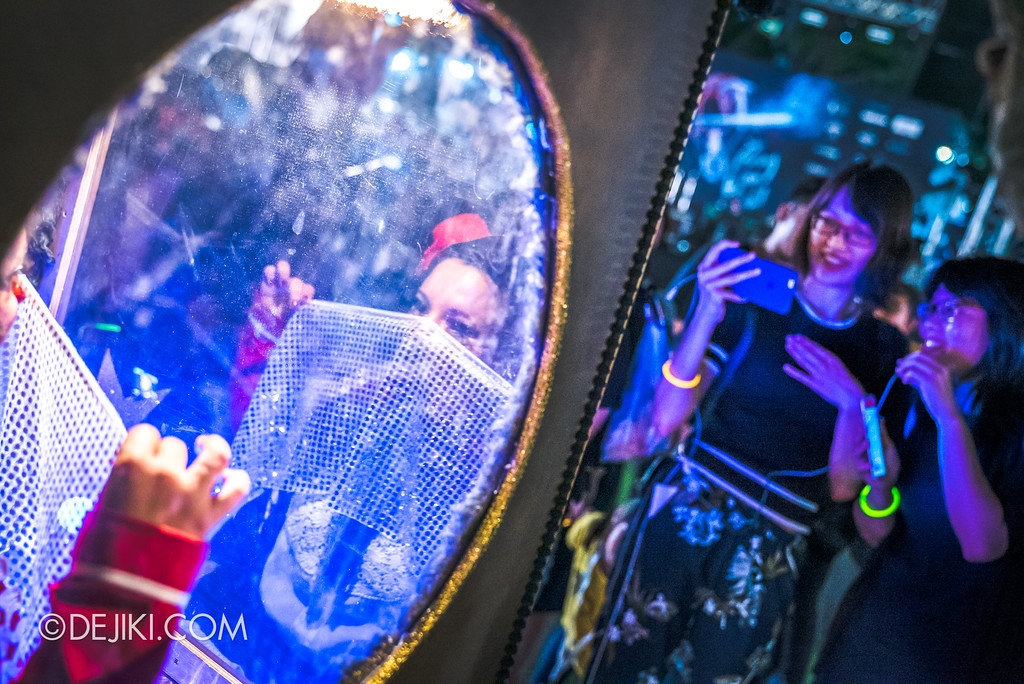 Singapore Night Festival 2018 – Performances / Automatarium (by David Berga) Clown reflection