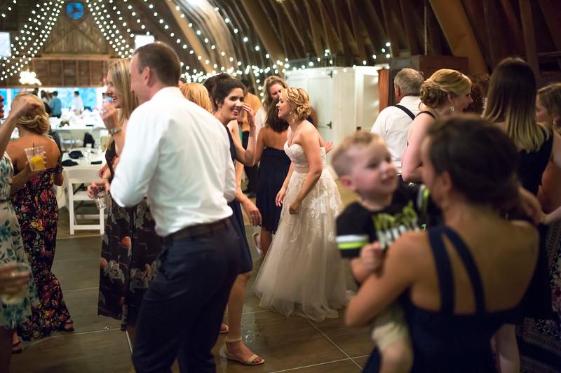 Garrett & Lisa Wedding (750).jpg