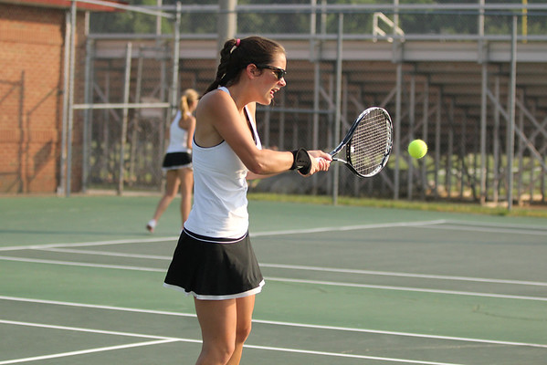 Albemarle girls tennis falls in state qtrs 2011