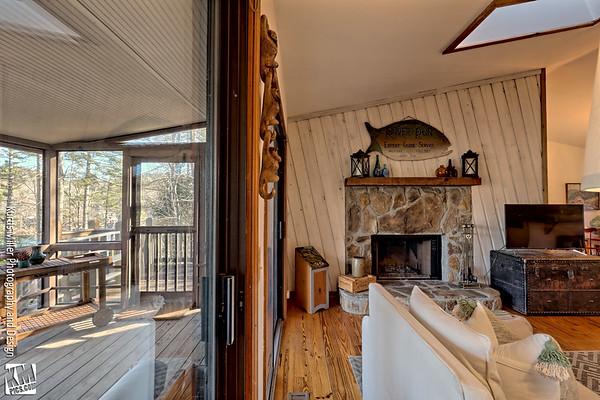 Charming Lake B Cottage 2 :)