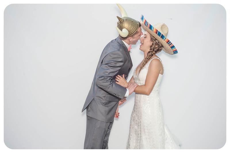 Alison+Jules-Wedding-Photobooth-3.jpg
