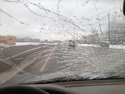 UZJ100 windshield