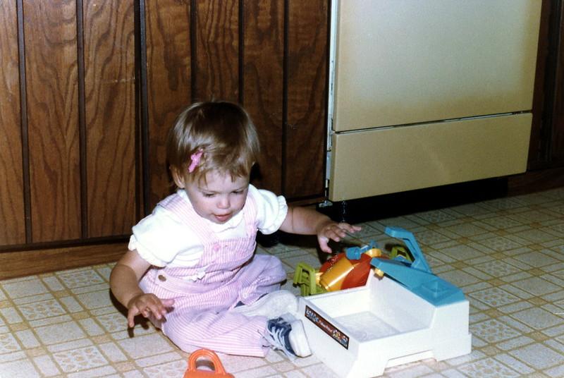 121183-ALB-1982-12-060.jpg