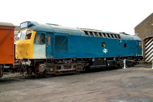 25083 undergoes restoration at Bechin on the 5th May 2003