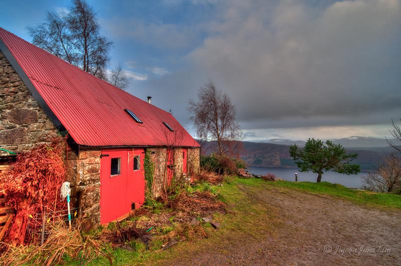 Scotland-Loch-Ness-.jpg