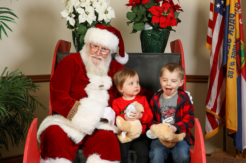 TBTP 2019 Photos with Santa-23.JPG