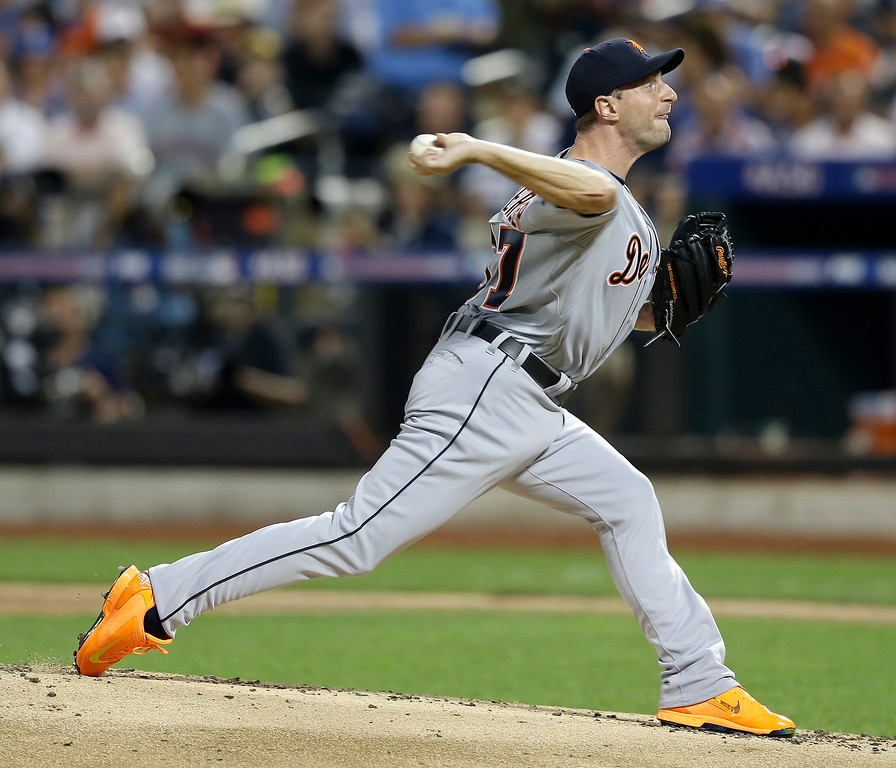 . American League\'s Max Scherzer, of the Detroit Tigers, pitches during the first inning of the MLB All-Star baseball game, on Tuesday, July 16, 2013, in New York. (AP Photo/Kathy Willens)
