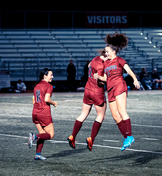 2019-10-24 Varsity Girls vs Lynnwood 081.jpg