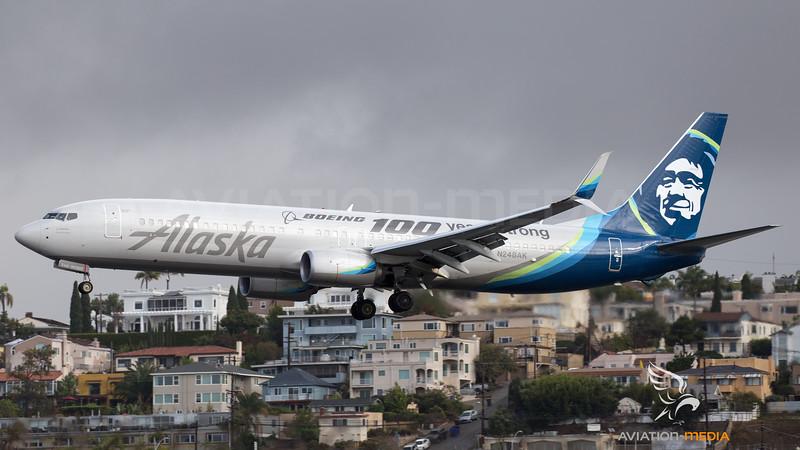 Alaska Boeing B737-900 N248AK