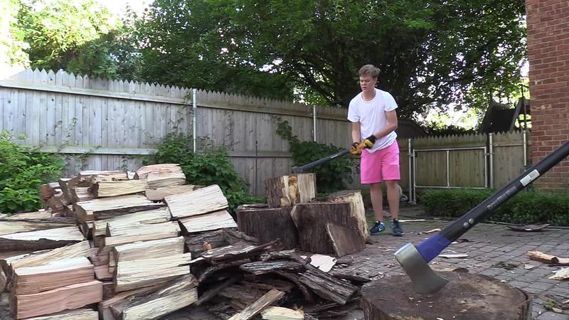 Splitting Firewood.mp4
