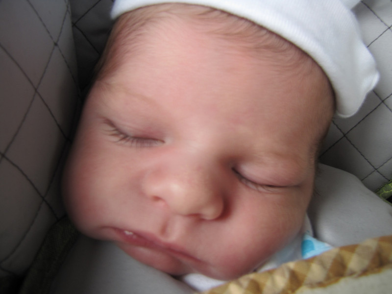 Fall 2010, Matthew one week old 028.JPG