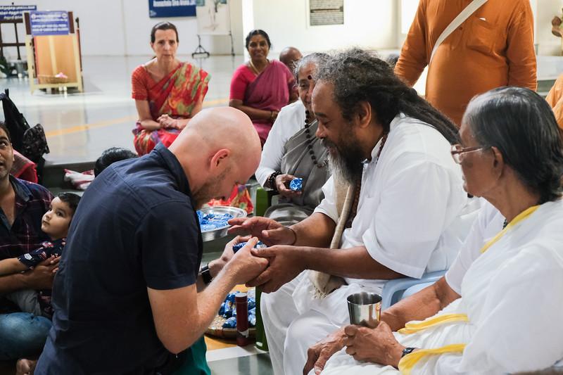 20200129_EV_IN_TIRU_YogiRamSuratKumarAshram_VisitingMaDevaki_Darshan_Vishnu_093.jpg