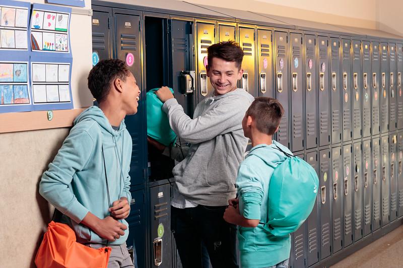 20190925_KidsEat_School_Lockers_withPeople_0011.jpg