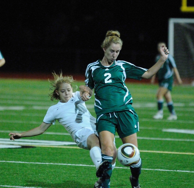 Woodinville vs Redmond Game 3 Kingco League Play T (Wood:2 - Red:1) Woodinville High Girls Varsity Soccer 2010  ©Neir