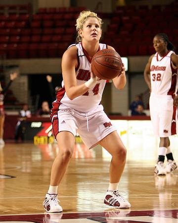 University of Massachusetts Women's NCAA Basketball 2005-2006