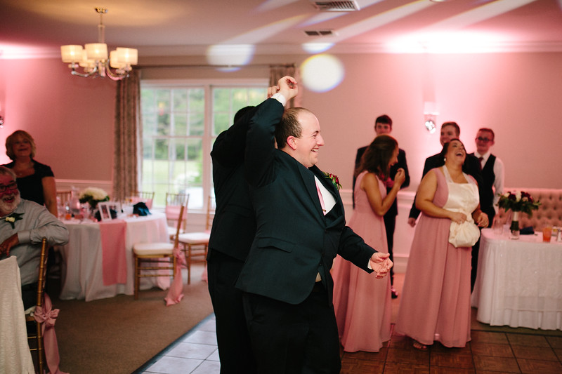 amie_and_adam_edgewood_golf_club_pa_wedding_image-1108.jpg