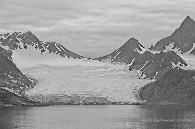 liefdefd fjord, svalbard archipelargo 3.jpg