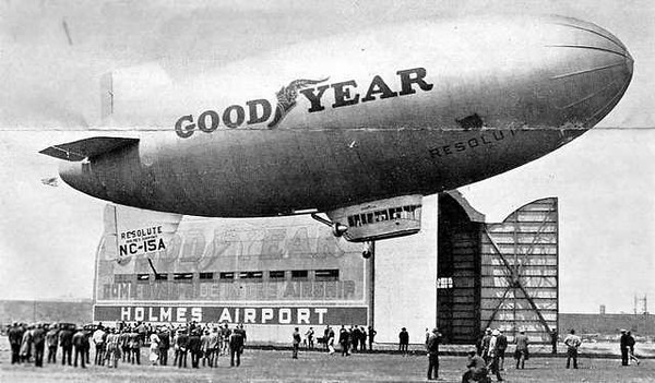 Holmes-Airport-Goodyear-Blimp-Resolute-Queens-NYC