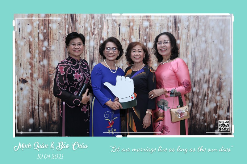 QC-wedding-instant-print-photobooth-Chup-hinh-lay-lien-in-anh-lay-ngay-Tiec-cuoi-WefieBox-Photobooth-Vietnam-cho-thue-photo-booth-023.jpg