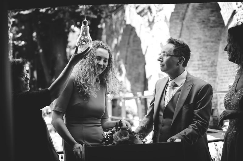 HR-Bruiloft-Anna+Walter-KarinaFotografie-158.jpg